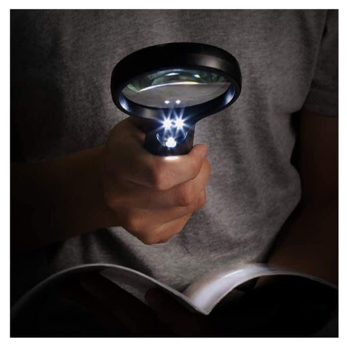 lupa-de-mano-con-luz-led