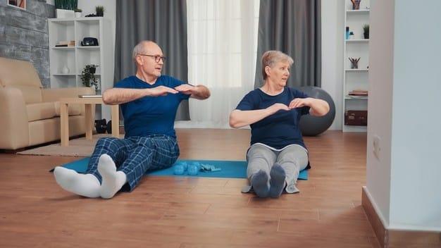 adultos-mayores-yoga